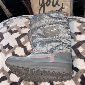 EUC Coach gray demure puffer winter snow boots
